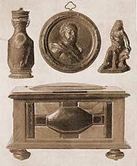 Янтарный флакон XVIII в., янтарный медальон, янтарная фигурка Меркурия